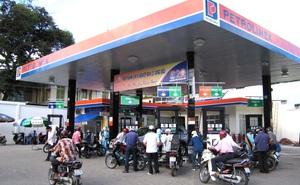 """Xăng dầu tăng giá mạnh, người dân """"khóc ròng"""""""