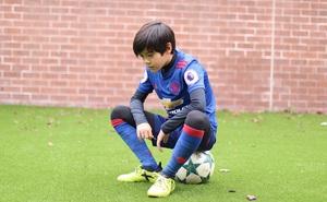 Sút phạt đỉnh như Beckham, sao mai Man United mơ được khoác áo Thái Lan