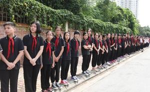 Hơn 1000 học sinh hát vang bài ca Lương Thế Vinh vĩnh biệt thầy Văn Như Cương