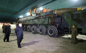 """Cuộc chiến hạt nhân suýt nổ ra và bài học còn """"nóng hổi"""" cho Mỹ-Triều"""