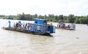Sà lan đâm tàu chở cát khiến 2 mẹ con mất tích: Tài công đau bụng nhờ người khác lái giúp