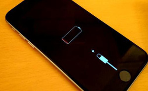 Lý do Apple cố tình làm chậm iPhone đời cũ