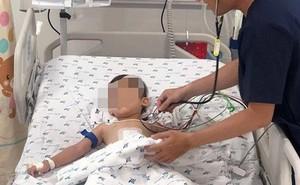 Nôn ra máu liên tục, bé trai được bác sĩ 'bắc cầu vượt' cứu sống
