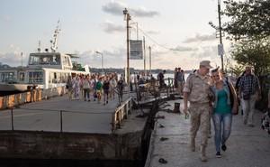Ukraine ra luật mới, dọa bỏ tù nếu công dân Nga bay tới Crimea