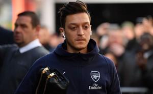"""Khi vũ khí tối thượng mất đi sự sắc bén, Ozil không còn là """"trái tim"""" của Arsenal"""