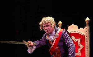Nguyên Giám đốc Nhà hát Tuổi Trẻ nhắn NSND Anh Tú: 'Vậy là khép lại những ấp ủ, mơ ước'