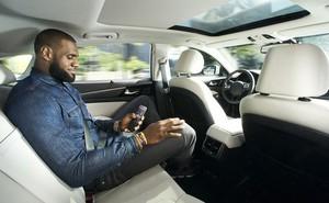 Thị trường xe ô tô không người lái đang ngày càng mở rộng nhưng điều gì sẽ xảy ra khi nó gây tai nạn?