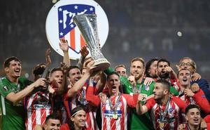 """""""Bóp nghẹt"""" Marseille, Atletico mang cúp vô địch Europa League về làm quà chia tay Torres"""