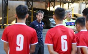 Trước nguy cơ bị loại, U19 Việt Nam còn gặp rắc rối trên đất Indonesia
