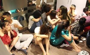 """Hàng loạt """"dân chơi"""" tổ chức tiệc ma tuý trong căn hộ ở Sài Gòn"""