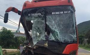 Tai nạn liên hoàn ở Quảng Nam, hàng chục hành khách khiếp vía