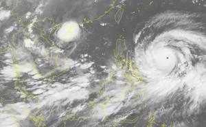 Bão số 5 gây mưa lớn, siêu bão Mangkhut giật trên cấp 17, tăng tốc tiến vào Biển Đông