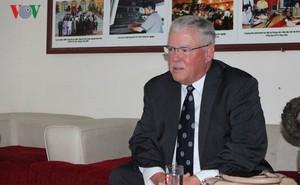 Giáo sư Carl Thayer: Dù muộn màng, nhưng thế giới đã có cái nhìn đúng đắn về những hy sinh của Việt Nam