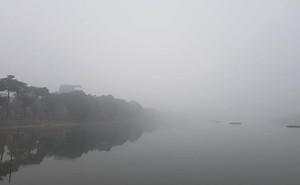 Thời tiết Hà Nội khiến bác sĩ cảnh báo nhiều bệnh nguy hiểm