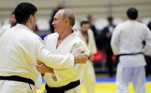 """Hé lộ nguyên nhân các chính trị gia, nhà tài phiệt của Nga """"đổ xô"""" đi học võ"""