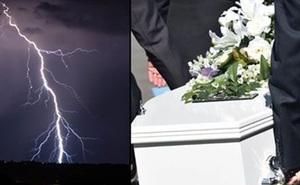Đang dự đám tang, 6 người bị sét đánh chết