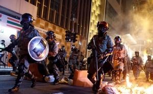 """Chính quyền Hong Kong lên án 2 đạo luật mới của Mỹ: TT Trump gửi """"tín hiệu sai trái"""" tới người biểu tình"""
