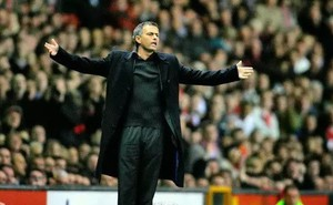 Mourinho và Wenger chạy đua ghế HLV trưởng Bayern Munich
