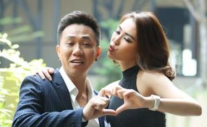 Hoa hậu Tường Linh chụp hình tình tứ với diễn viên hài Anh Đức