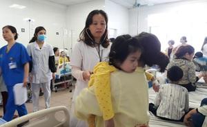 Trẻ nhỏ, người lớn ùn ùn nhập viện do không khí ô nhiễm nghiêm trọng