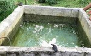 Rơi xuống bể nước sinh hoạt nhà hàng xóm, bé 2 tuổi chết thương tâm