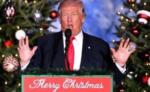 """Giáng sinh """"ấm lòng"""" của TT Trump: Vừa được TQ tặng quà khủng, vừa lập kỷ lục mới bất chấp bão luận tội"""
