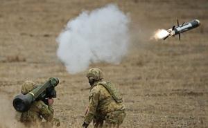"""Mỹ hết lời ca ngợi """"món quà"""" đặc biệt dành cho Ukraine: Diệt mọi xe tăng Nga!"""