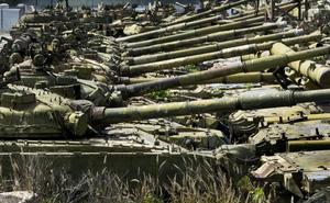 """""""Kẻ tội đồ"""" đem bí mật quân sự Liên Xô bán vung vãi khắp thế giới: Cái giá phải trả?"""
