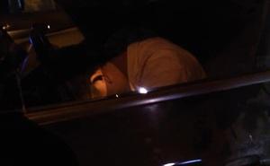 Bắt gặp tài xế gục xuống vô lăng lúc nửa đêm, người đàn ông có 3 hành động khiến tất cả thán phục