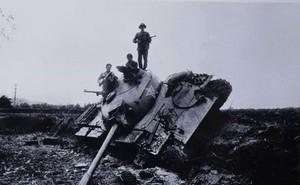 Bài báo năm 1979 viết về chiến tranh biên giới phía Bắc: Chiến trường phơi xác xe tăng địch