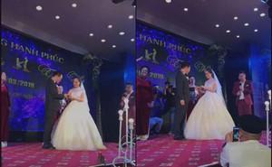 NSND Trung Hiếu tổ chức đám cưới với vợ trẻ kém 19 tuổi ở Thái Bình, bất ngờ nói điều này khiến cả hội trường thích thú