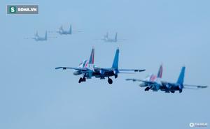 Độc nhất, chưa từng có: Cả 5 tiêm kích Su-30SM cất cánh cùng lúc từ sân bay Nội Bài