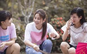 """""""Ngọc nữ bolero"""" Tố My vào bếp nấu mì Quảng cho fan"""