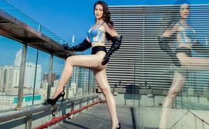 Hoa hậu Phương Khánh tung loạt ảnh mặc bikini nóng bỏng