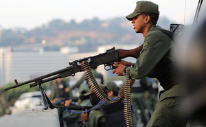 """Chuyên gia: Đảo chính thất bại, Mỹ liều lĩnh dùng phương thức """"ám hại"""" ở Venezuela?"""