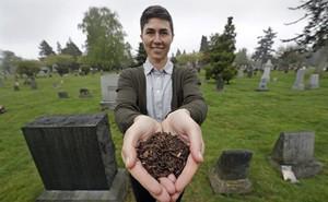 Sợ chôn và hỏa táng gây ô nhiễm môi trường, một bang của Mỹ cho phép ủ xác người chết thành phân bón cây trồng