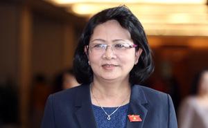 Phó Chủ tịch nước Đặng Thị Ngọc Thịnh trình Quốc hội tờ trình gia nhập Công ước 98
