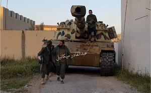 Cả Nga và Tướng Haftar ở Libya đều không vừa: Dao găm thủ sẵn sau cái bắt tay?