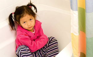 Chuyên gia tâm lý chỉ ra những sai lầm kinh điển của cha mẹ khiến con trở nên khó bảo và ngang ngược hơn
