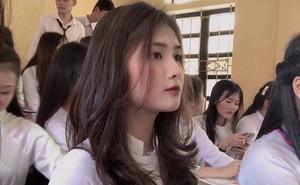 """Từ 1 khoảnh khắc, nữ sinh Thanh Hóa được dân mạng tặng danh hiệu """"nữ thần đồng phục"""""""
