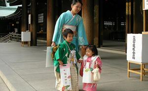 Kỹ năng nuôi dạy con siêu đẳng của cha mẹ Nhật để trẻ thông minh và có trách nhiệm hơn