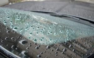 Hiểm họa khôn lường khi dùng hóa chất chống bám nước kính ô tô giá rẻ