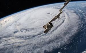 Bạn có biết ai là người đặt tên cho bão nhiệt đới?