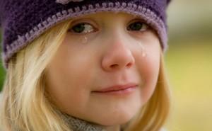 Lý do mắt chúng ta sưng đỏ sau khi khóc và cách khắc phục