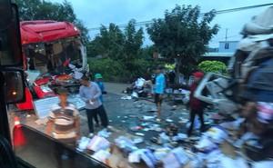 Clip: Hiện trường xe khách đối đầu xe tải khiến cả 2 tài xế tử vong, nhiều người bị thương