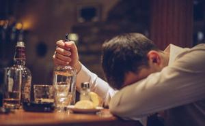 """Hút thuốc thụ động thì ai cũng biết, giờ khoa học bảo có cả """"uống rượu bia thụ động"""" và tác hại nó gây ra cũng cực kỳ kinh khủng"""