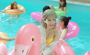 Lần hiếm hoi Hari Won thoải mái diện bikini nóng bỏng sau khi lấy chồng