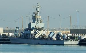 Kinh hoàng trước dàn vũ khí đồ sộ của chiến hạm 500 tấn Israel