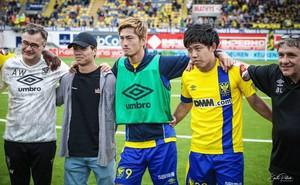"""Đồng đội Nhật của Công Phượng gặp chuyện """"dở khóc dở cười"""" ở Sint-Truidense VV"""