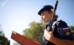 Cận cảnh các nữ học viên xinh xắn của hàng không quân sự Nga